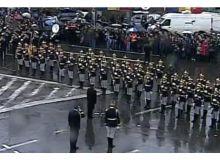 Boc primeste onorul de la Garda Nationala.jpg
