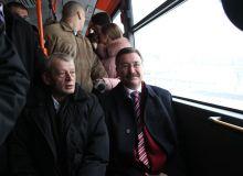 Sorin Oprescu impreuna cu primarul Ankarei Melih Gokcek la prima traversare oficiala cu tramvaiul pe sub podul in arc de la Pasajul Basarab/pmb.ro.