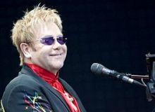 Elton_John / wikipedia
