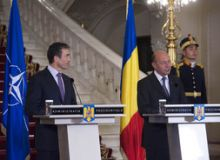 Rasmussen si Basescu.jpg