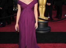 Natalie Portman, Oscar pentru rolul din Black Swan si Oscar pentru cea mai buna rochie