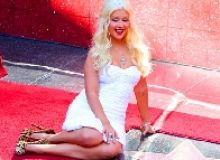 Christina Aguilera Hollywood star/music-juice.com