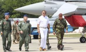 Klaus Iohannis oferă IMAGINEA ZILEI : nu renunță la postura în care a făcut furori