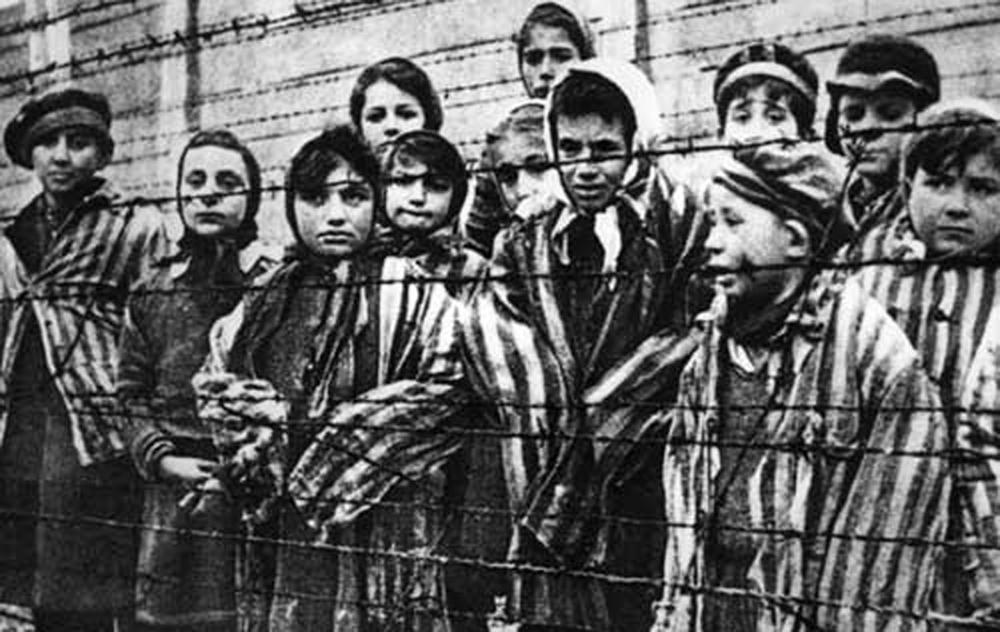 Fost judecător: Dacă ar fi existat DNA în perioada interbelică am fi scăpat de Holocaust