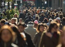 oameni-strada-publimedia-shutterstock.jpg
