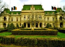 Palatul_Roznovanu_-_Iasi.JPG