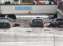 743474-1532671320-grecia-dupa-incendii-inundatii-in-nordul-atenei.jpg