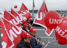 753503-1537642782-manifestatie-pentru-egalitatea-salariala-intre-barbati-si-femei-in-elvetia.jpg