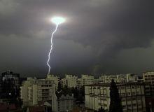 cod-galben-de-ploi-si-vijelii-dupa-caldura-sufocanta-461127.jpg