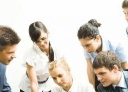 tineri-angajati.jpeg