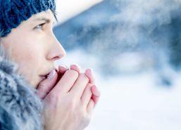 ce-nu-este-recomandat-sa-faci-atunci-cand-afara-e-foarte-frig-greselile-care-ne-pot-imbolnavi_size24.jpg