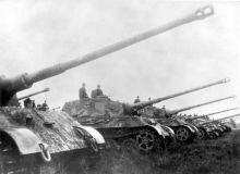 Bundesarchiv_Bild_146-1975-102-14A_Panzer_VI_Tiger_II_Königstiger-768x553.jpg