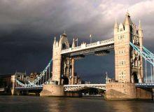 Nori negri deasupra Londrei / sxc.hu