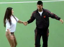 Djokovic se descurca si la dans/captura YouTube