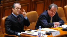 Blaga, nu renunta la candidatura pentru sefia PDL