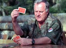 Ratko Mladic a fost prins.jpg/blocktherobber.com