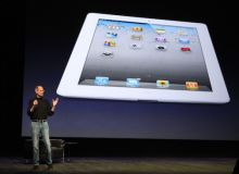 Steve Jobs, la lansarea iPad2.jpg/keywordspeak.com