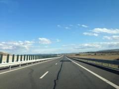 Canicula aduce restricții de circulație pe drumurile naționale și autostrăzi și limitări de viteză