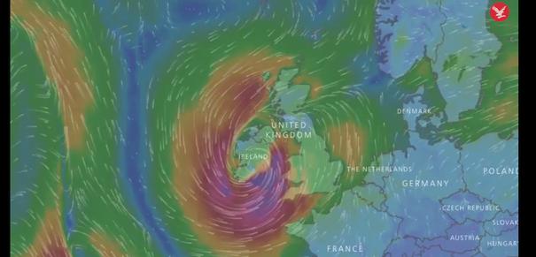 MAE: Vreme severă cauzată de uraganul Ophelia, în Irlanda