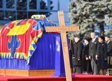 Case-REgale-prezente-la-funeralii-Regelui-Mihai-I-al-României.jpg