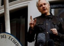 skynews-assange-wikileaks-julian-assange_4203232-725x350.jpg