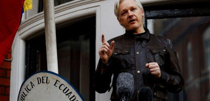 Fondatorul Wikileaks, cetățean ecuadorian