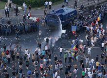 751491-1536598412-noi-incidente-in-piata-victoriei-la-o-luna-de-la-protestul-diasporei.jpg