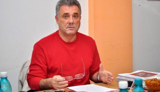 dumitrumoinescu10-1318440364.jpg