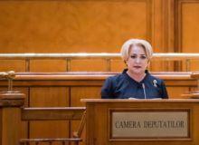 Dancila-i-a-adresat-un--mesaj-de-pace--lui-Iohannis-in-Parlament--Sa-aniversam-Ziua-Nationala-intr-un-climat-de-liniste--las-in-spate-jignirile.jpg