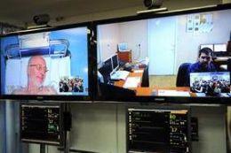 Prin telemedicina, medicii pot primi suport de la un centru prin comunicare audio-video