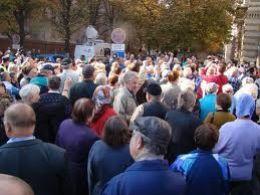 Protestatarii l-au huiduit pe presedintele Basescu