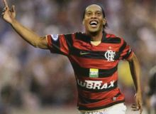 Ronaldinho/henriquedealmeida.com