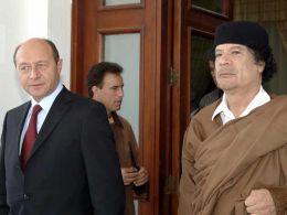 Basescu si Gaddafi