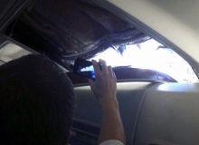 Un pasager a fotografiat gaura in fuselaj, care putea sa-l coste viata .jpg