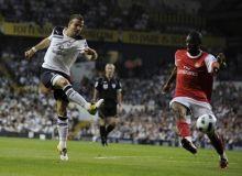 van der Vaart marcheaza golul de 1-1/news.yahoo.com