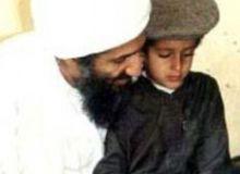 Osama, impreuna cu fiul sau de zece ani, Ali.jpg/islamizationwatch.blogspot.com