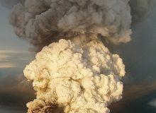 Vulcanul Grimsvoetn, in zilele de glorie.jpg/derangedshaman.com