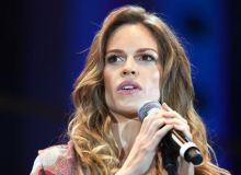 Hilary Swank/thedailywh.at.jpg