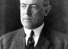1200px-President_Woodrow_Wilson_portrait_December_2_1912.jpg