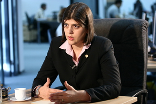 De ce e acuzată Kovesi: A obţinut cu mandat de la ÎCCJ percheziţia informatică a opt procurori