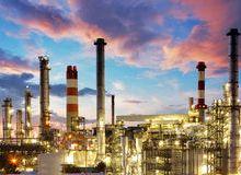 oil-gas-industry-refinery-twilight-factory-petroche-28749263.jpg