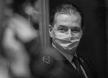Ludovic-Orban-vizită-stație-nouă-de-metrou-M5-Drumul-Taberei-portret-closeup-orban-22-Iunie-2020-Q-MAGAZINE-18.jpg