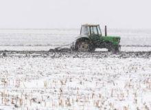 teren-agricol-aratura-iarna.jpg