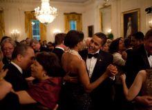 Barack Obama dansand cu sotia (whitehouse.gov).jpg