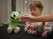 In prezent se afla in plata 198.000 indemnizatii de crestere a copilului/CorectNews