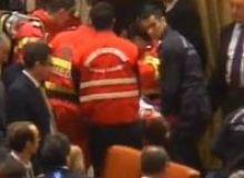 Momentul in care medicii de la Ambulanta il transporta pe Adrian Sobaru la spital/captura realitatea.net.