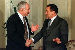 Benjamin Netanyahu si Hosni Mubarak