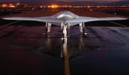 Avionul de vanatoare fara pilot X-47B