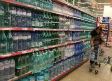Mai mult de jumatate din apa infestata a ajuns la consumatori
