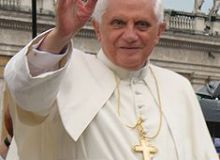 Papa Benedcit al XVI-lea avertizeaza asupra sporirii fortelor raului.jpg/wikipedia